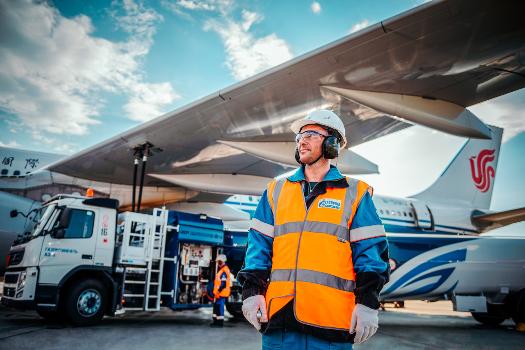 """""""Газпром нефть"""" расширила международную географию заправок """"в крыло"""" до 200 аэропортов"""